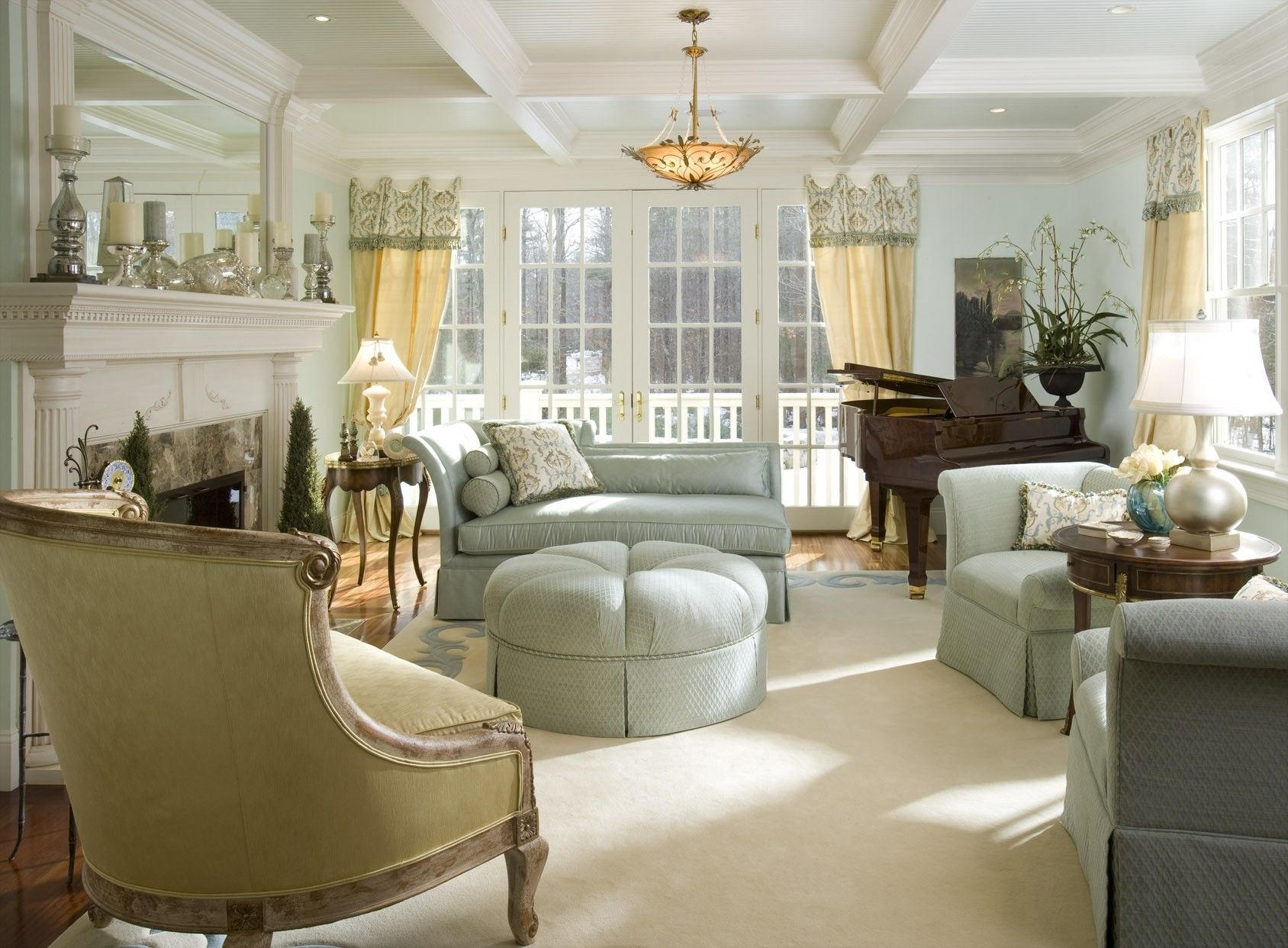 Widely Used Combs 5 Piece 48 Inch Extension Dining Sets With Pearson White Chairs Intended For Parisian Room Decor/images (View 21 of 25)