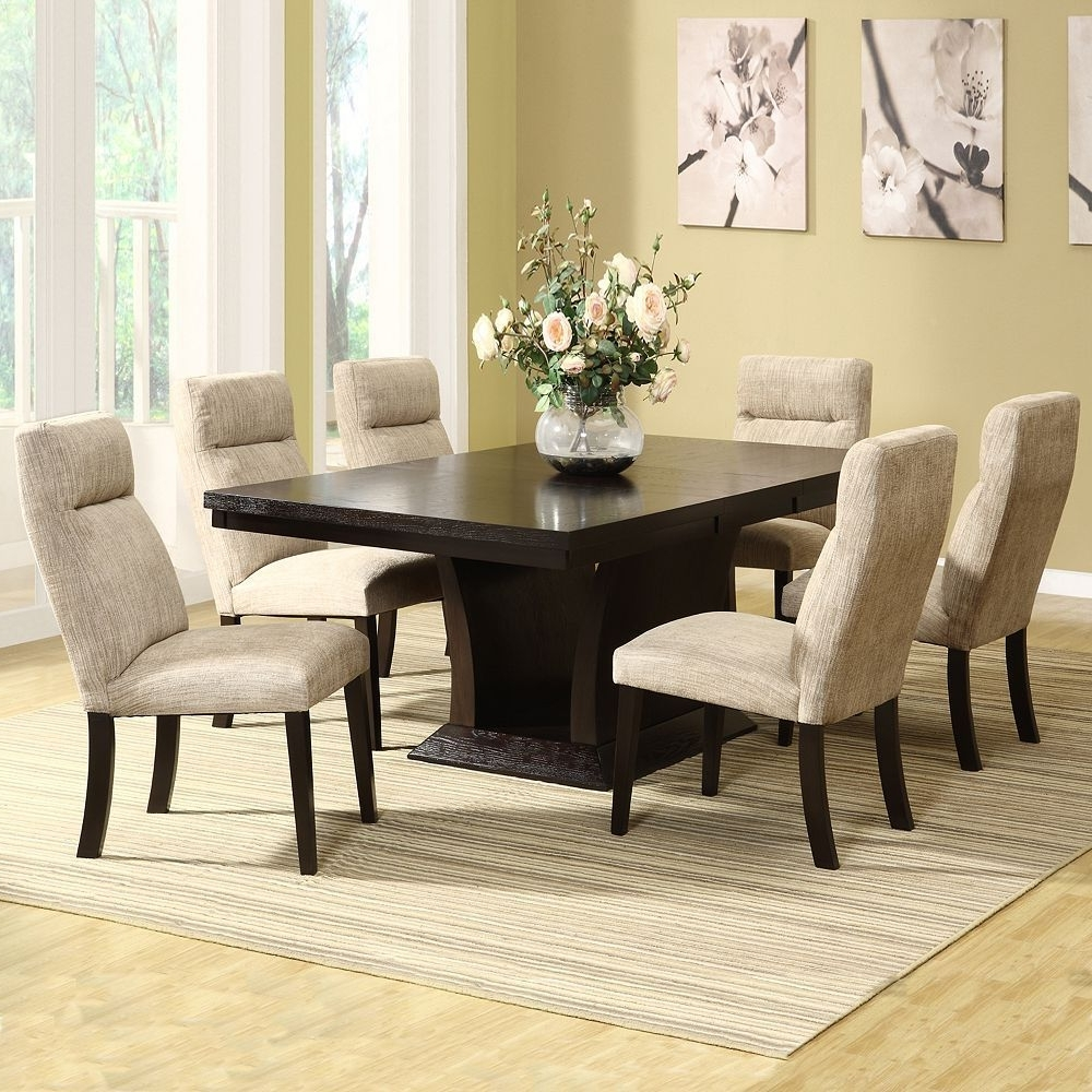 Widely Used Extendable Dining Room Tables And Chairs Regarding Homevance Sommerton 7 Pc (View 16 of 25)