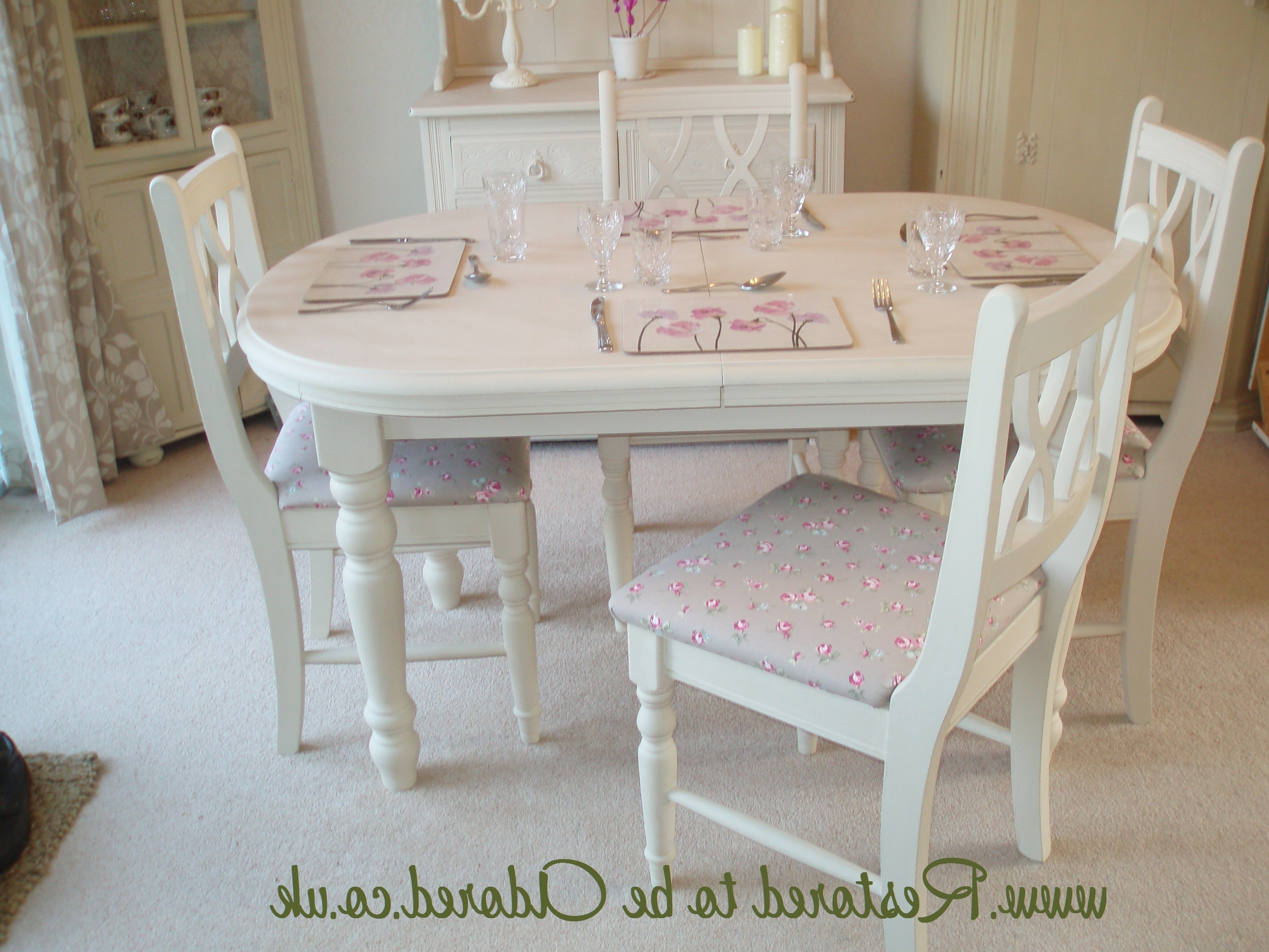 Widely Used Shabby Chic Dining Table And Chairs Set – Castrophotos Regarding Shabby Chic Cream Dining Tables And Chairs (View 2 of 25)