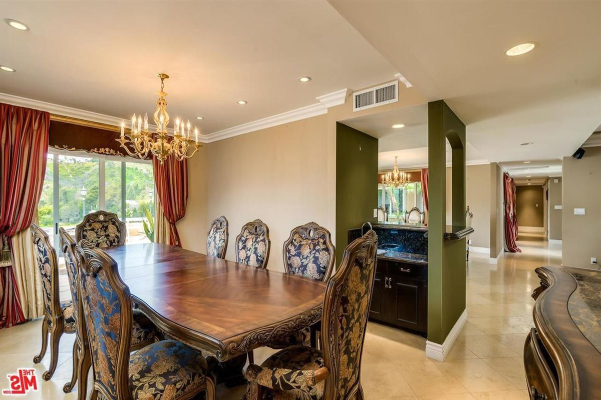 2019 Residential For Sale Los Angeles (City), Ca – 1256 Casiano Rd 90049 Throughout Casiano 5 Piece Dining Sets (View 23 of 25)