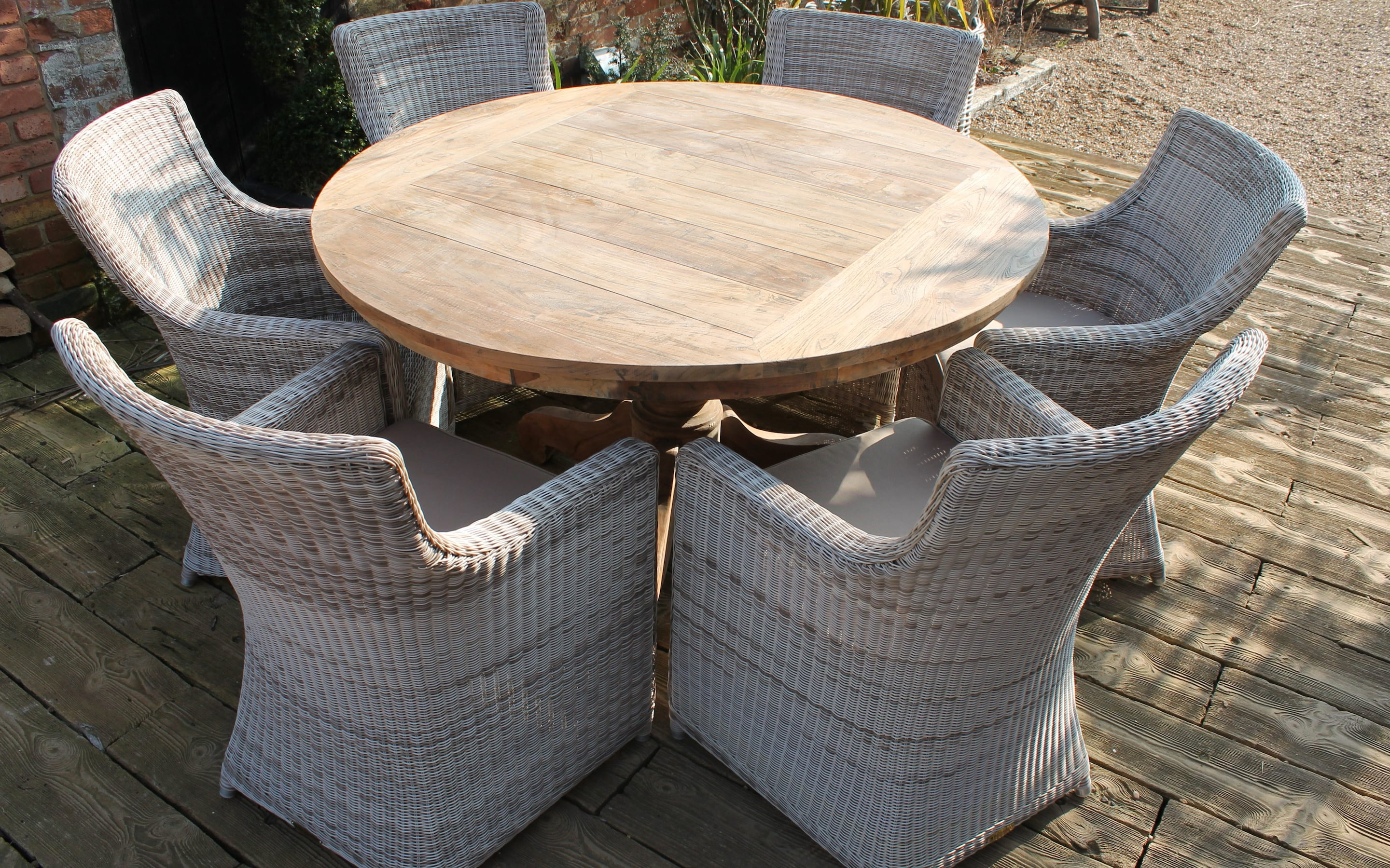 Best Rattan Garden Furniture – And Where To Buy It (View 5 of 25)