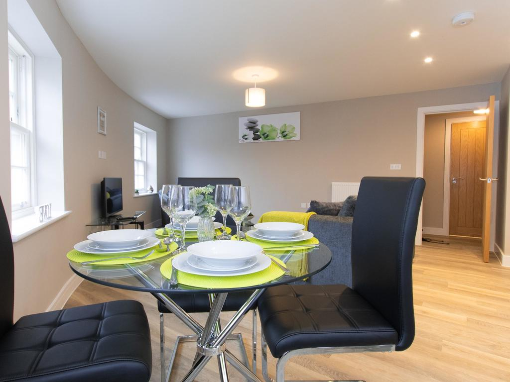 Genesis Serviced Apartment, Chelmsford – Updated 2019 Prices Inside 2019 Chelmsford 3 Piece Dining Sets (View 8 of 25)