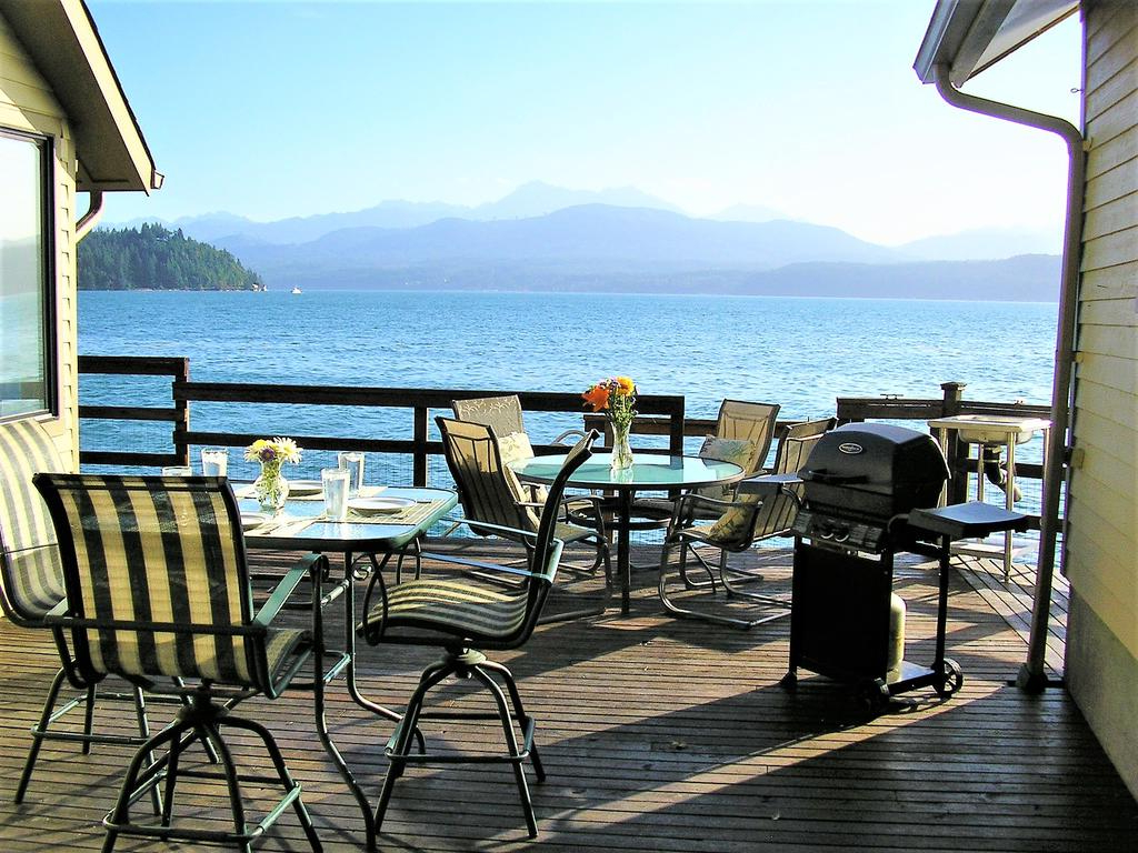 Hood Canal 3 Piece Dining Sets With 2020 Vacation Home Union City Beach House At Hood Canal, Waterfront (View 21 of 25)