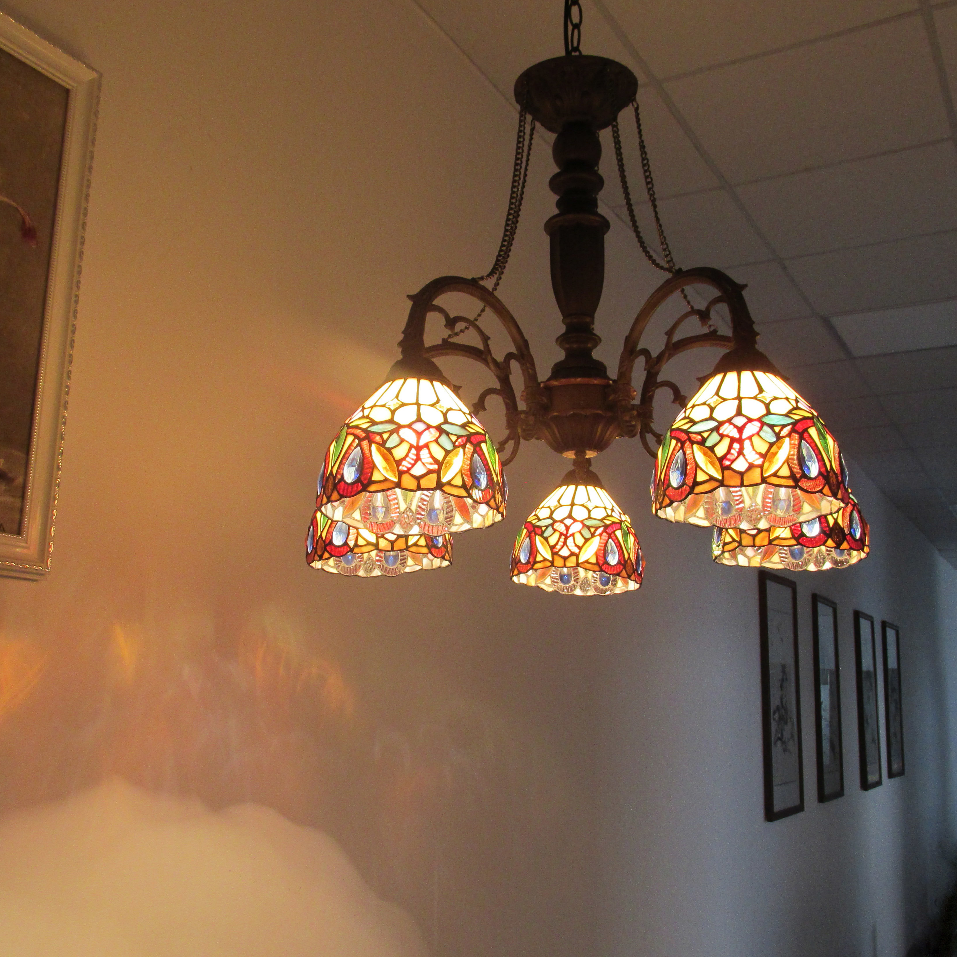 Most Up To Date Astoria Grand Queener 5 Light Shaded Chandelier (View 15 of 25)
