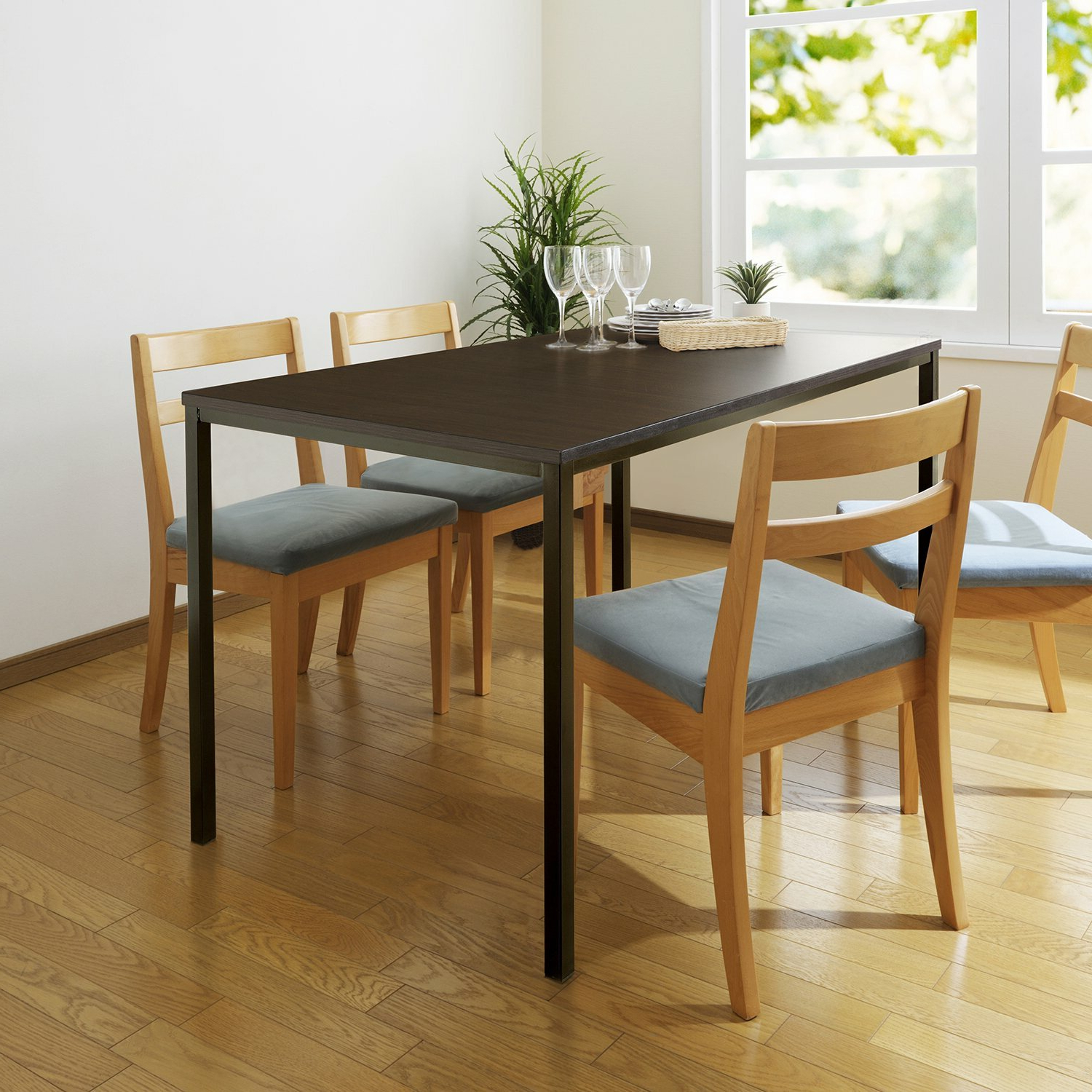 Trendy Chelmsford 3 Piece Dining Sets For Frida Dining Table & Reviews (View 16 of 25)