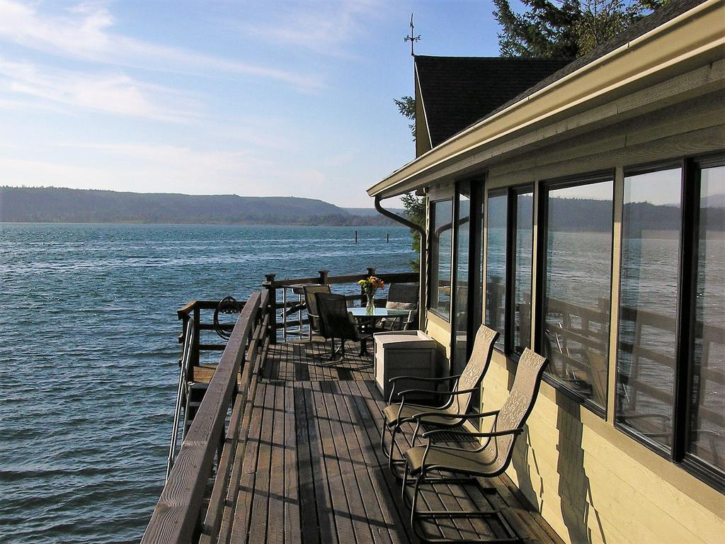 Vacation Home Union City Beach House At Hood Canal, Waterfront Intended For 2020 Hood Canal 3 Piece Dining Sets (Gallery 24 of 25)