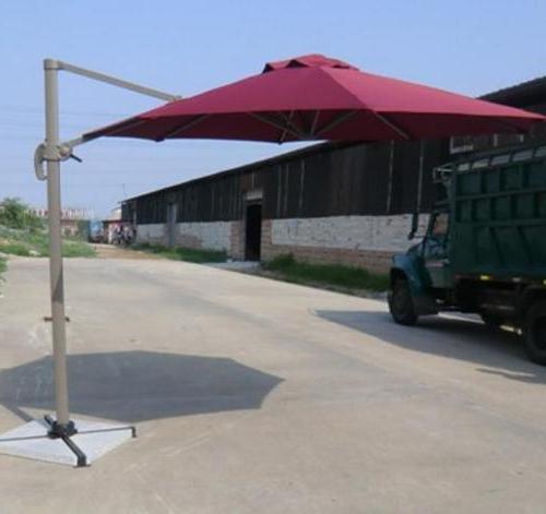2017 Side Pole Cantilever Umbrellas Throughout Cantilever Umbrellas (View 4 of 25)
