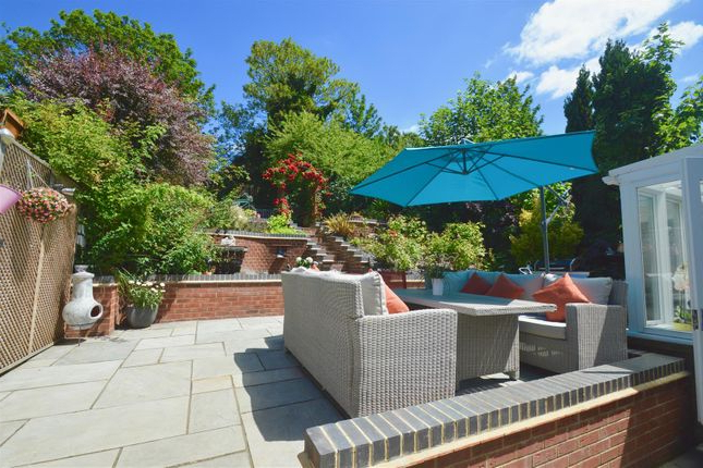 3 Bed Semi Detached House For Sale In Valley Drive, Gravesend Da12 Regarding Well Liked Northfleet Rectangular Market Umbrellas (View 2 of 25)