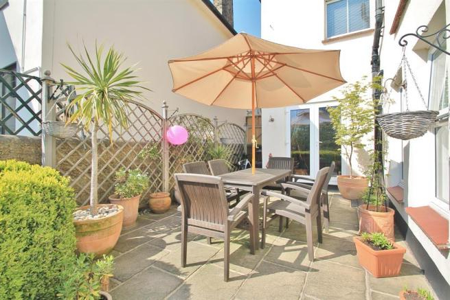 3 Bedroom Semi-Detached House For Sale In Old Road West , Gravesend throughout Most Recently Released Northfleet Rectangular Market Umbrellas