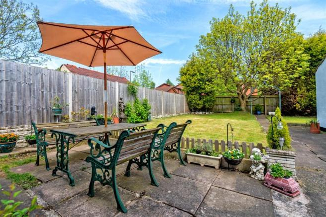 4 Bedroom Detached Bungalow To Rent In Walhouse Street, Cannock, Ws11 Pertaining To Famous Cannock Market Umbrellas (View 22 of 25)