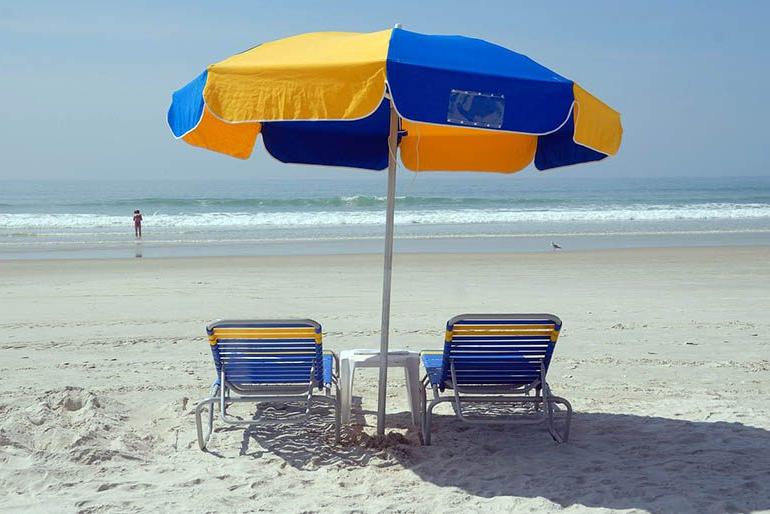 Beach Umbrellas Throughout Most Popular Best Portable Beach Umbrellas In 2019 – Top10Bestpro (View 19 of 25)