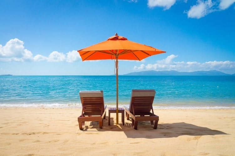 Beach Umbrellas Within Best And Newest The 25 Best Beach Umbrellas Of 2019 – Family Living Today (View 15 of 25)