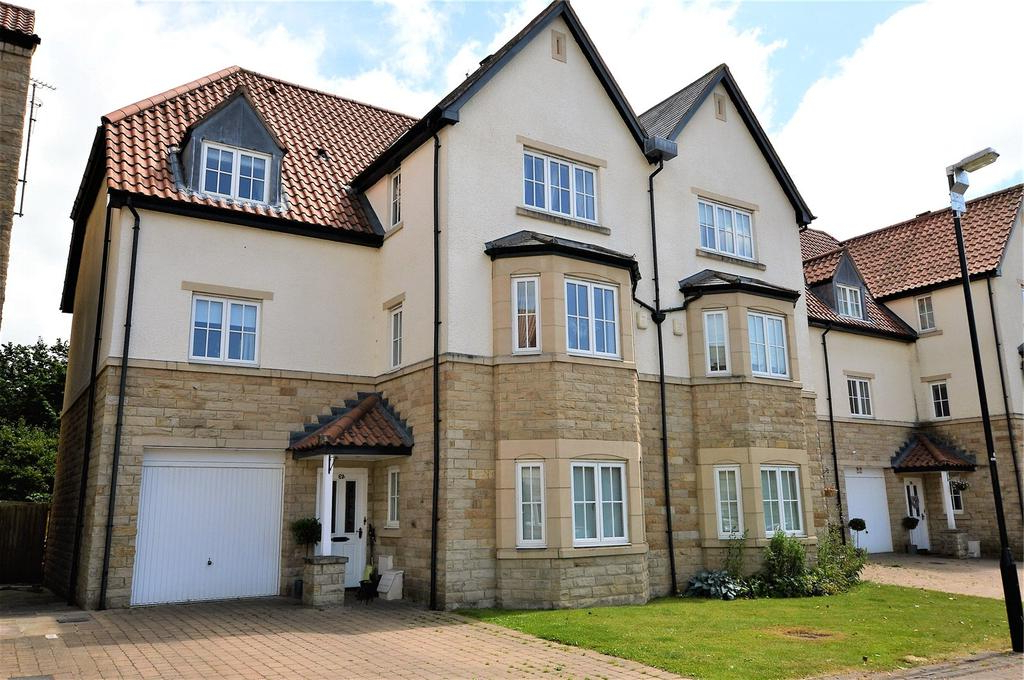 Best And Newest Wetherby Market Umbrellas With Regard To Micklethwaite Grove, Wetherby, West Yorkshire 5 Bed Semi Detached (View 21 of 25)