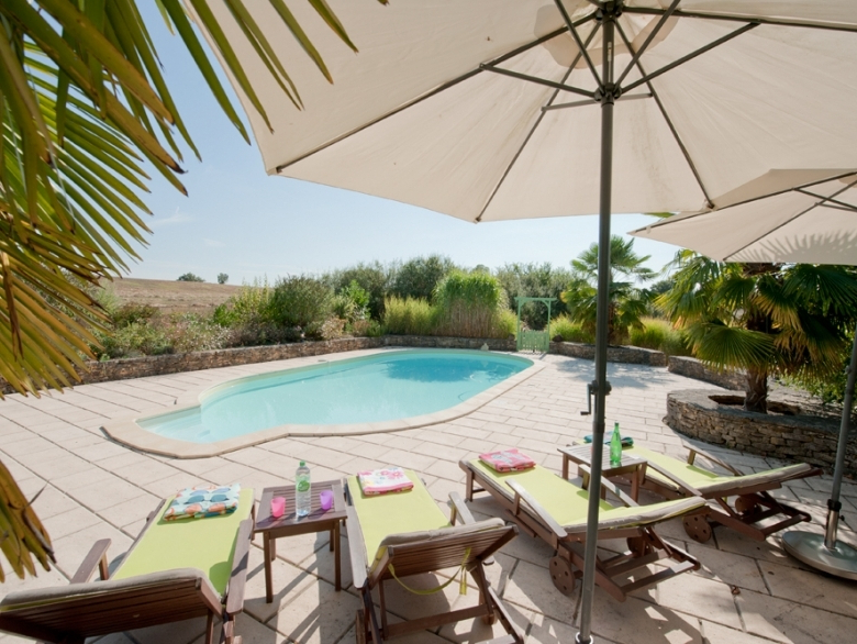 Brame Market Umbrellas Within Trendy Les Brugues – Converted Barn Holiday Rental, In Monpazier, Dordogne (View 18 of 25)