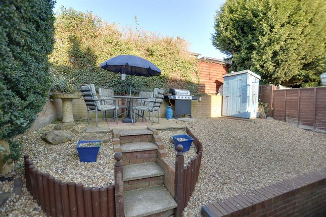 Cannock Market Umbrellas Throughout Trendy 3 Bed Property For Sale In Common Lane, Cannock Ws11 – Zoopla (View 6 of 25)