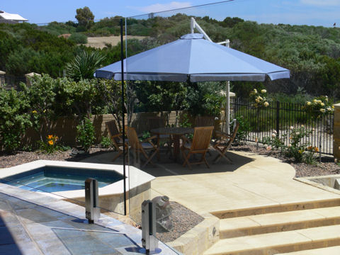 Cantilever Umbrellas Pertaining To Most Recent Mastershade Cantilever Umbrellas (Wind Rated) (View 18 of 25)