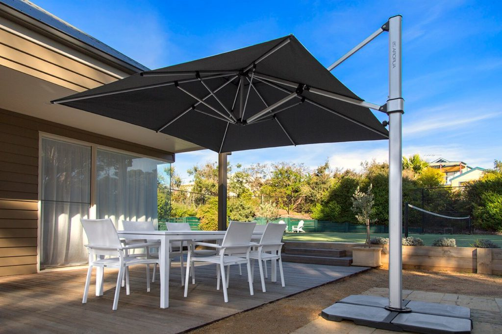 Cantilever Umbrellas Regarding Favorite Instant Shade Aurora Cantilever Umbrellas (View 14 of 25)