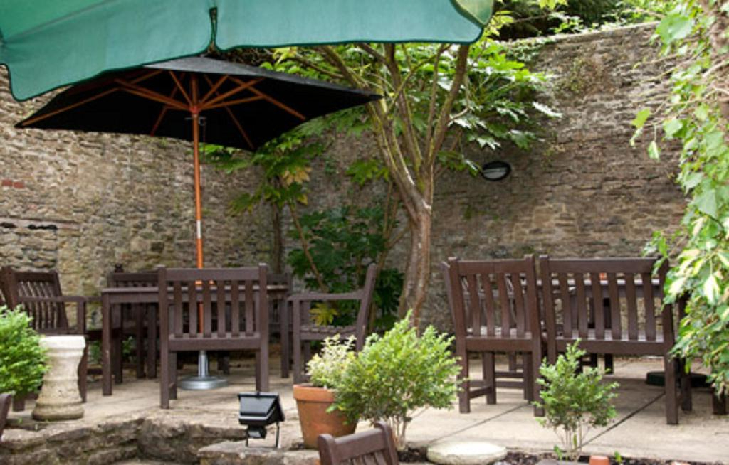 Current Frome Market Umbrellas Within Woolpack Inngreene King Inns, Frome, Uk – Booking (View 19 of 25)