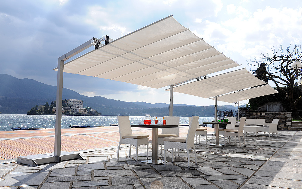 Endearing Freestanding Patio Umbrella Of Amazon Com Homewell 10 With Well Liked Trotman Cantilever Umbrellas (View 25 of 25)