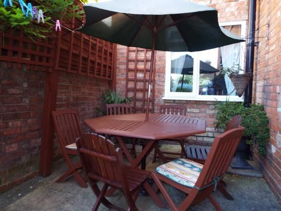 Flitwick Market Umbrellas Regarding Well Known 2 Bed Maisonette For Sale In Stanley Street, Bedford, Bedfordhsire (View 23 of 25)