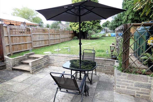Flitwick Market Umbrellas With Regard To 2017 2 Bed Terraced House For Sale In Church Road, Streatley, Luton Lu (View 19 of 25)