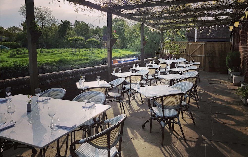 Fordwich  Rectangular Cantilever Umbrellas In Best And Newest The Best Summer Dining Destinations In Kent! (View 20 of 25)