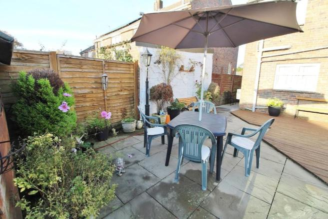Havant Market Umbrellas with Most Up-to-Date 3 Bedroom Semi-Detached House For Sale In Anne Crescent