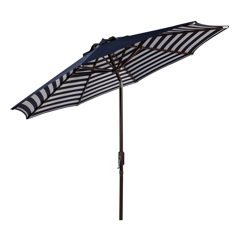 Hookton Crank 8.5 Market Umbrella In Preferred Hookton Crank Market Umbrellas (Gallery 4 of 25)
