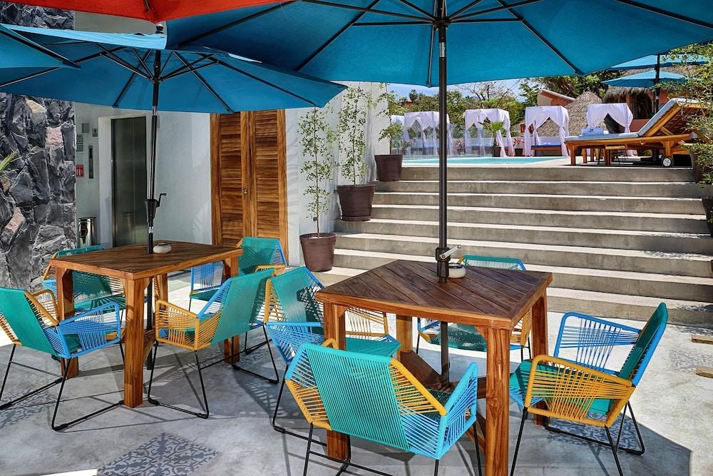 Hotel Boutique Oz Sayulita, Puerto Vallarta – Room Prices & Reviews In Fashionable Keltner Patio Outdoor Market Umbrellas (View 22 of 25)