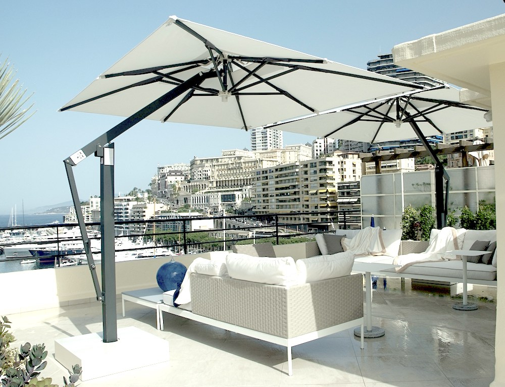 Latest Cantilever Umbrellas Within Cantilever Umbrellas Buyers Guide: Everything You Need To Know (View 14 of 25)