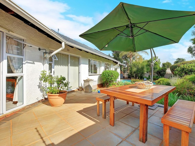 Leachville Market Umbrellas For 2018 4 Bedroom Freehold For Sale In Blairgowrie (View 22 of 25)