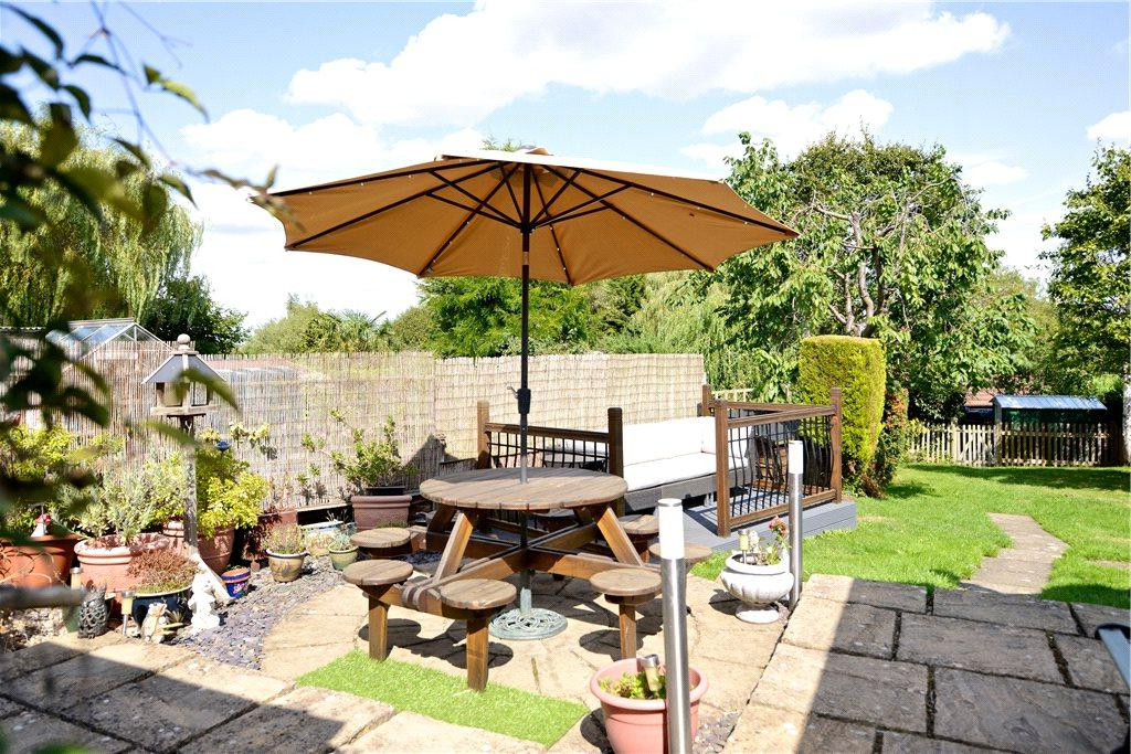 Most Current Lydds Hill, Ridgmont, Bedfordshire 2 Bed Character Property – £395,000 In Flitwick Market Umbrellas (View 18 of 25)