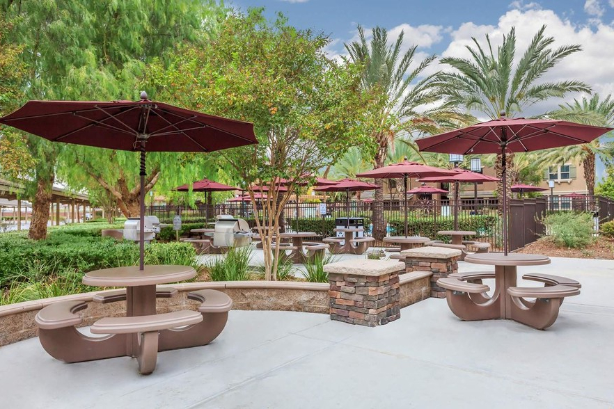 Most Popular Meadow Square Apartment Homes Pertaining To Bonview Rectangular Market Umbrellas (View 23 of 25)
