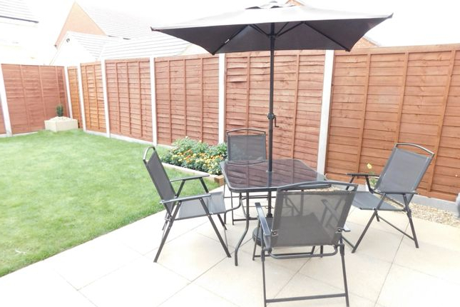 Newest Flitwick Market Umbrellas Throughout 3 Bed Semi Detached House For Sale In Chaffinch Green, Lower Stondon (View 24 of 25)