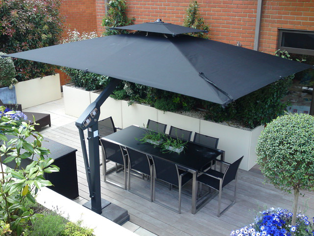Popular Choosing The Best Cantilever Umbrella For Your Patio – Poggesi® Usa Throughout Cantilever Umbrellas (View 3 of 25)