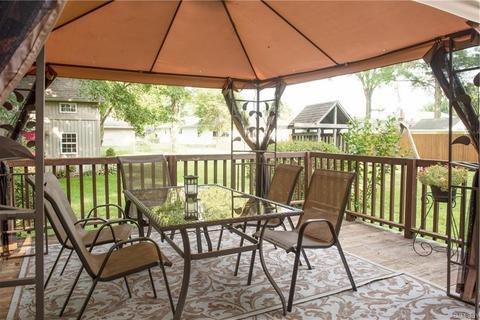 Recent Spitler Square Cantilever Umbrellas Within 8334 Hilltop Dr, Poland, Oh  (View 14 of 25)