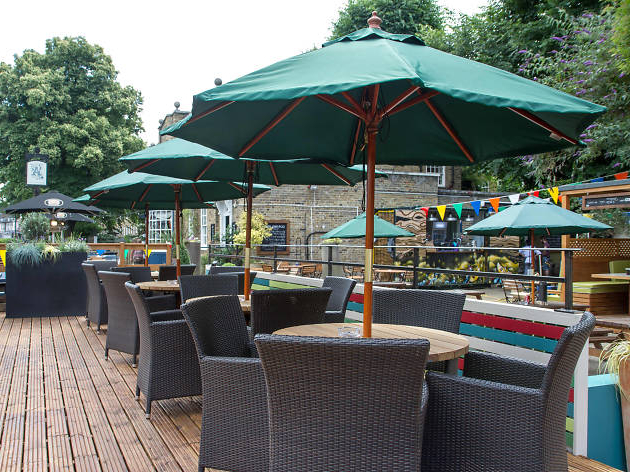 Summer Drinking In Perfect Pubs In 2017 Tottenham Patio Hanging Offset Cantilever Umbrellas (View 11 of 25)