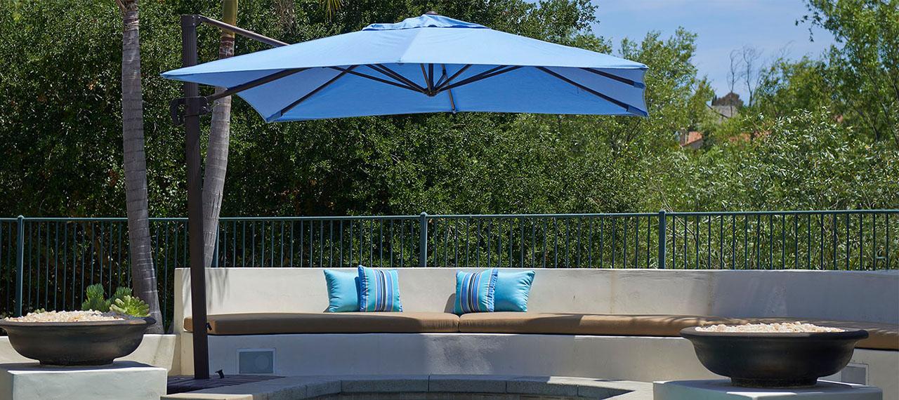 Well Known Hurt Market Umbrellas Throughout Offset Patio Umbrellas – 8 Ways To Enjoy Them (View 15 of 25)