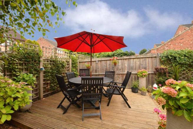 Wetherby Market Umbrellas Regarding Most Current 3 Bedroom Semi Detached House For Sale In Walton Gardens, Thorp Arch (View 23 of 25)