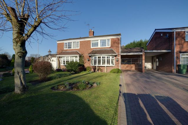 Widely Used 3 Bed Property For Sale In Common Lane, Cannock Ws11 – Zoopla In Cannock Market Umbrellas (View 22 of 25)