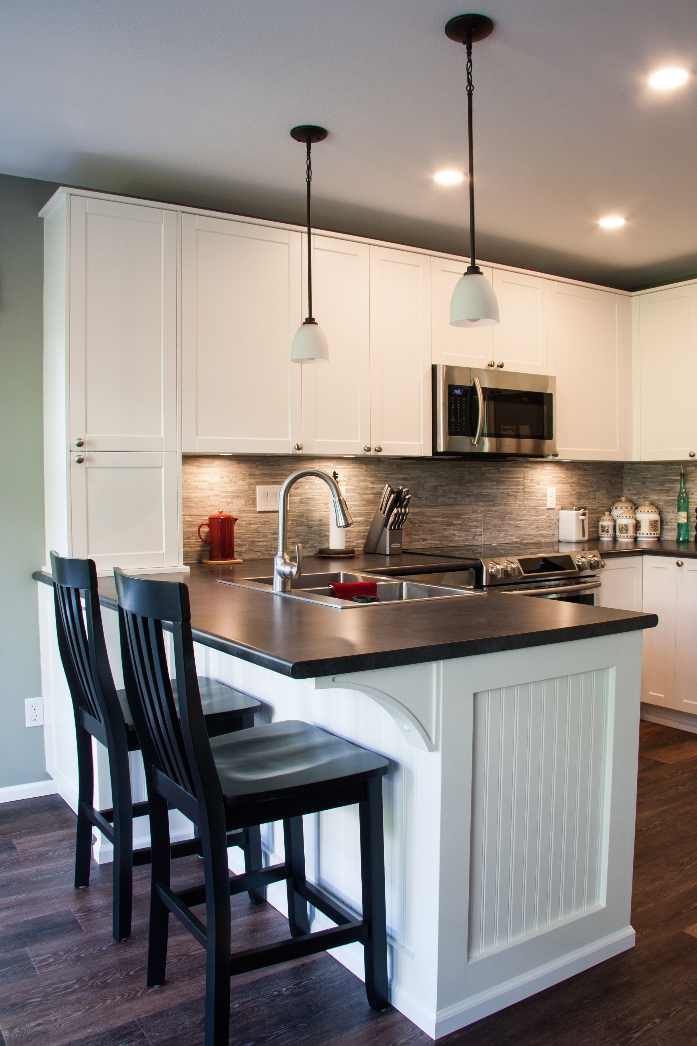 Fashionable New Breakfast Bar And Stools (View 17 of 25)