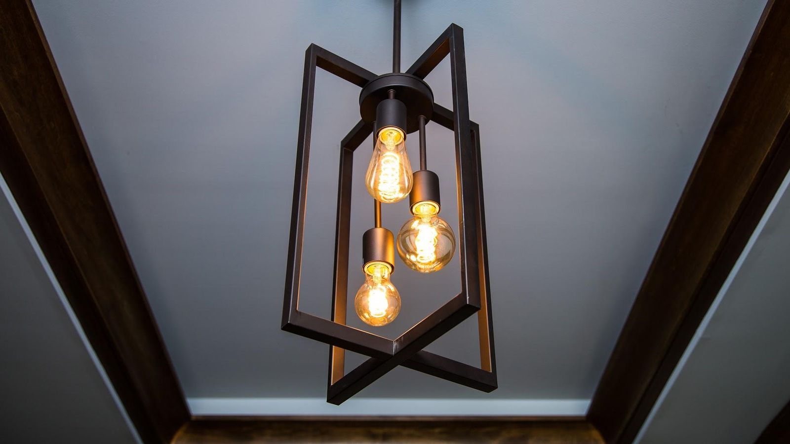 What To Know Before You Buy Vintage Style Led Light Bulbs – Cnet Intended For Recent Vintage Edison 1 Light Bowl Pendants (View 24 of 25)