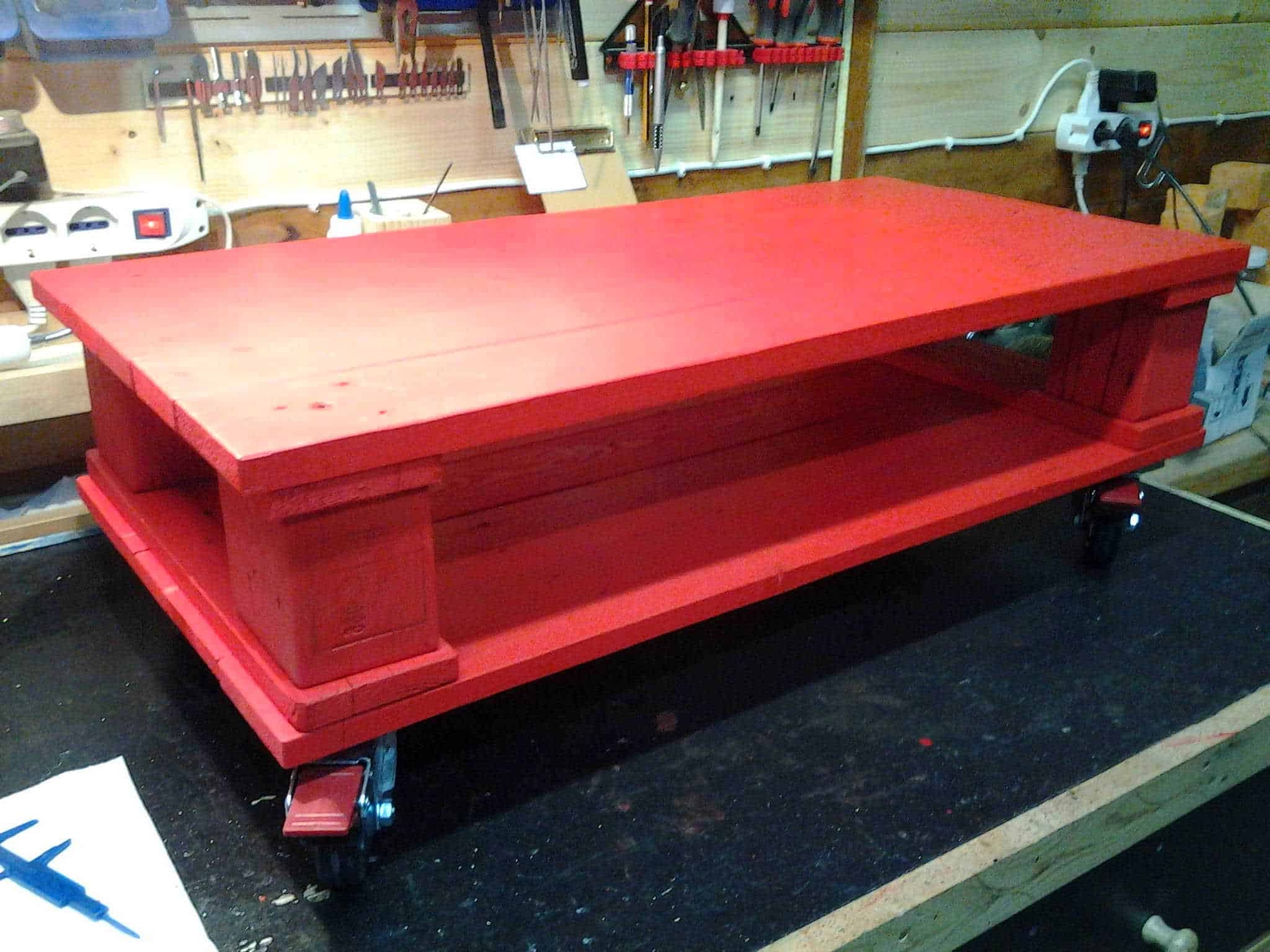 Herran Dining Tables With Favorite Red Pallet Coffee Table • 1001 Pallets (View 20 of 25)