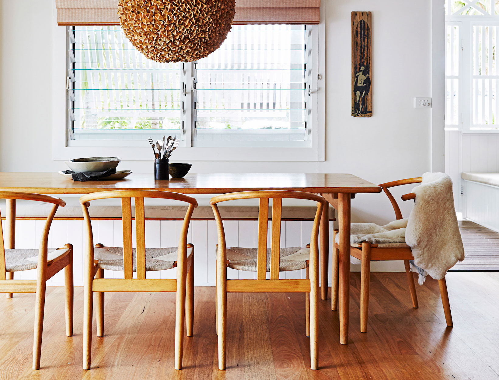 Johnson Round Pedestal Dining Tables Inside Well Liked 8 Design Professionals On Their Favorite Dining Tables (View 15 of 25)