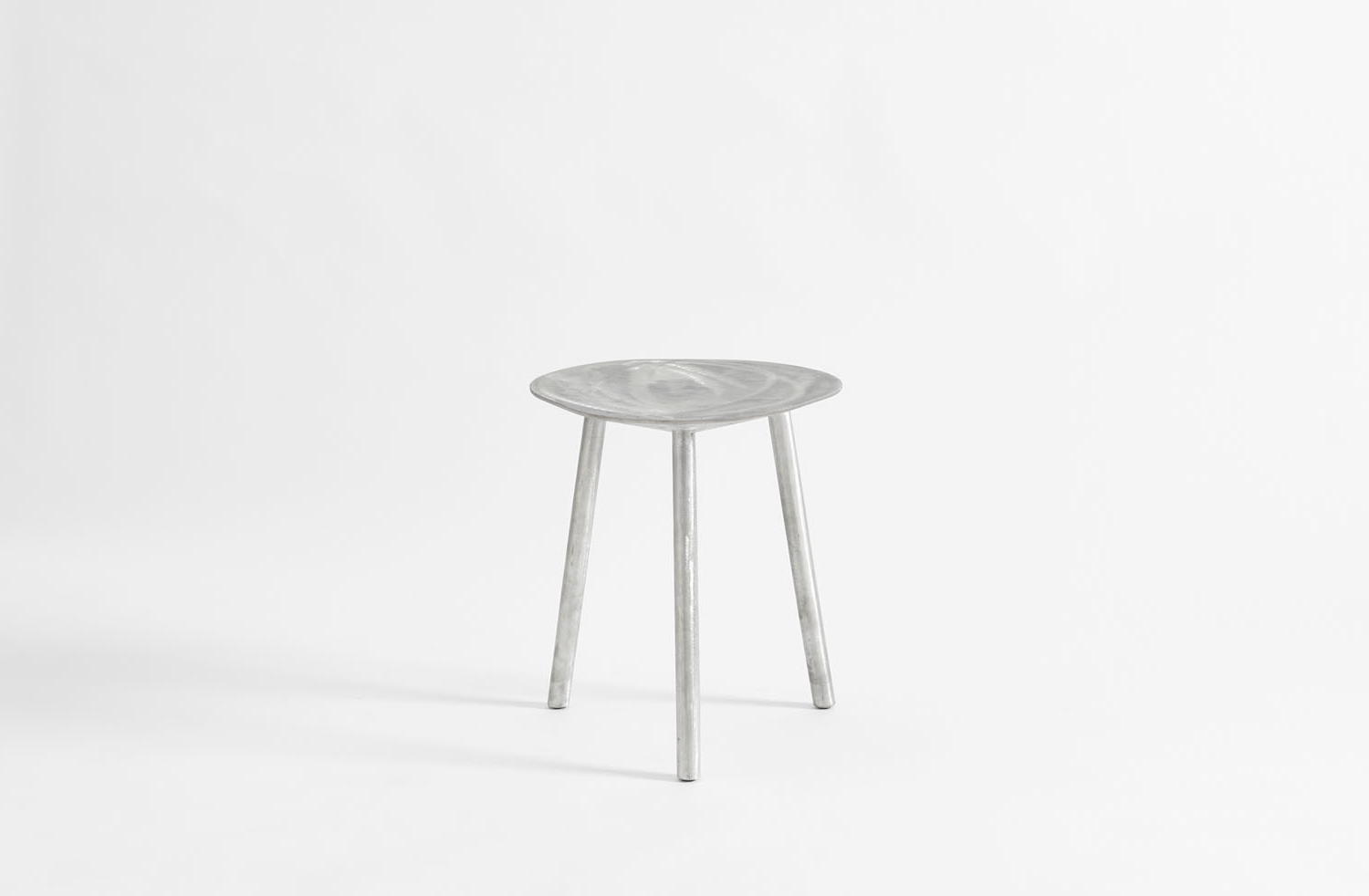Preferred Faye Toogood Aluminum Spade Dining Stool With Regard To Faye Dining Tables (View 20 of 25)