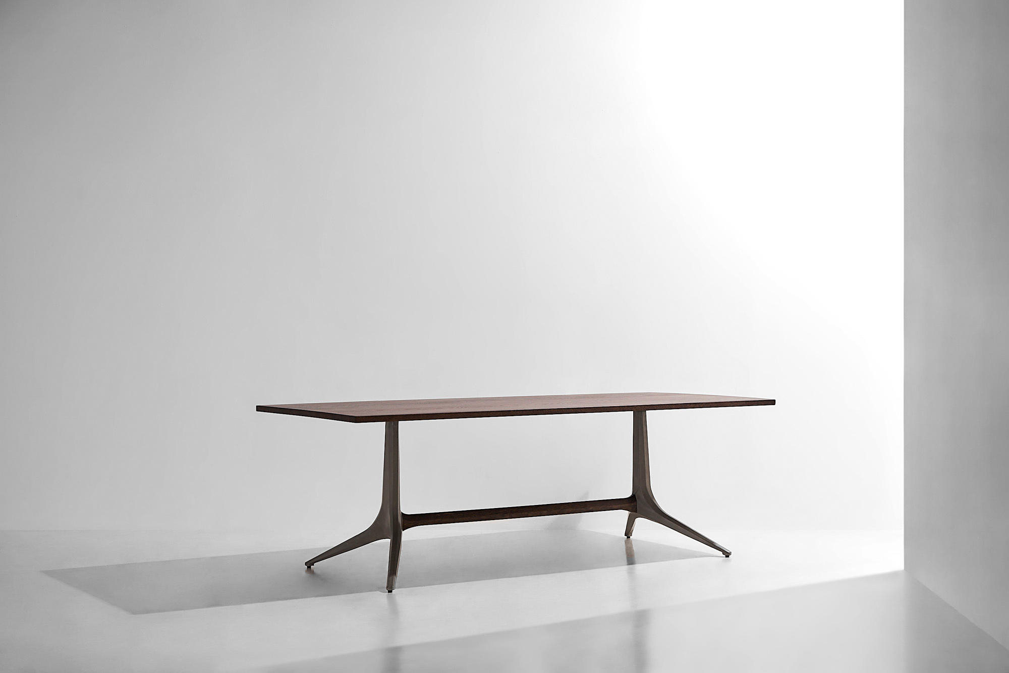 Architonic Regarding Dining Tables In Seared Oak (View 5 of 25)