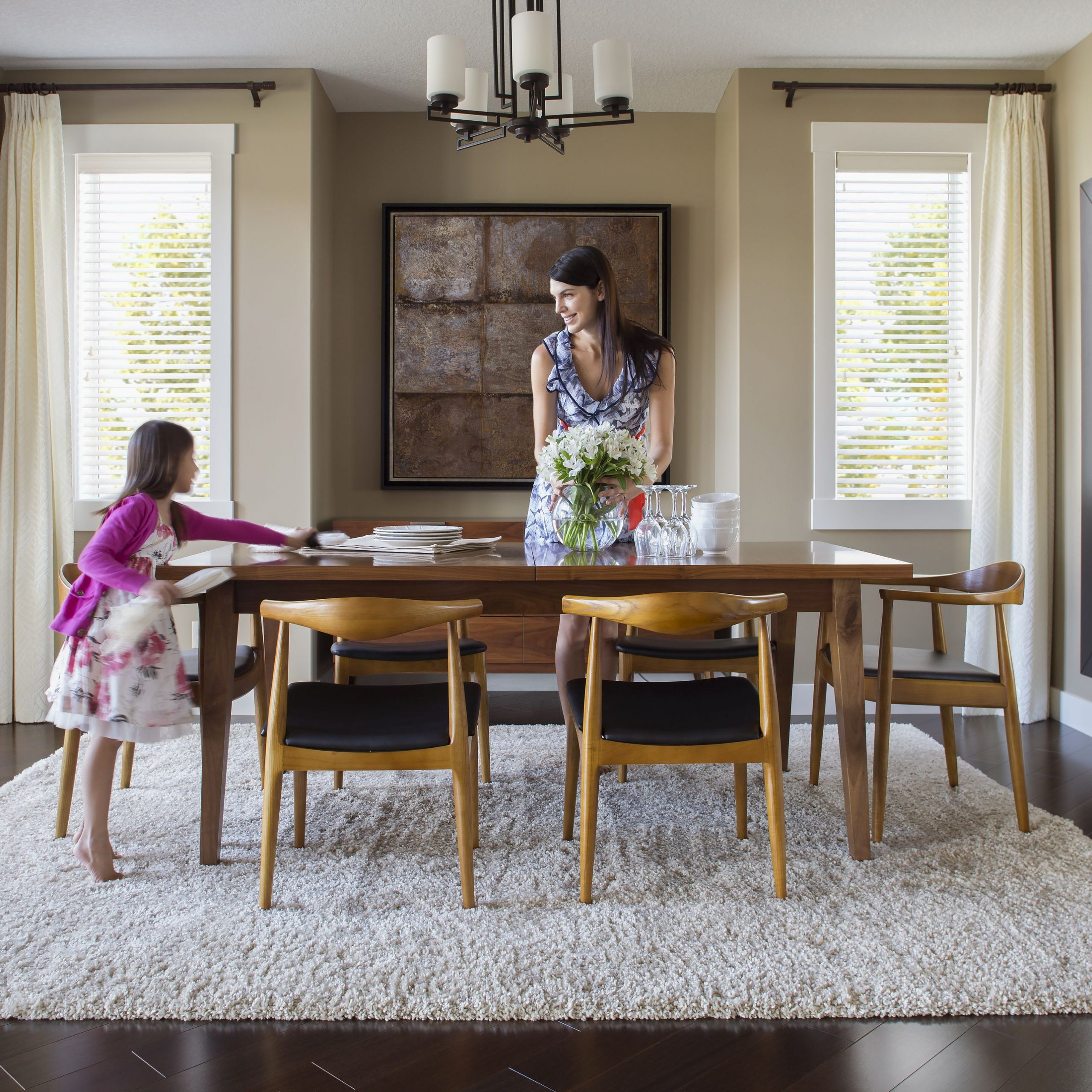 Contemporary 4 Seating Square Dining Tables Inside Newest How To Choose Chairs For Your Dining Table (View 18 of 25)