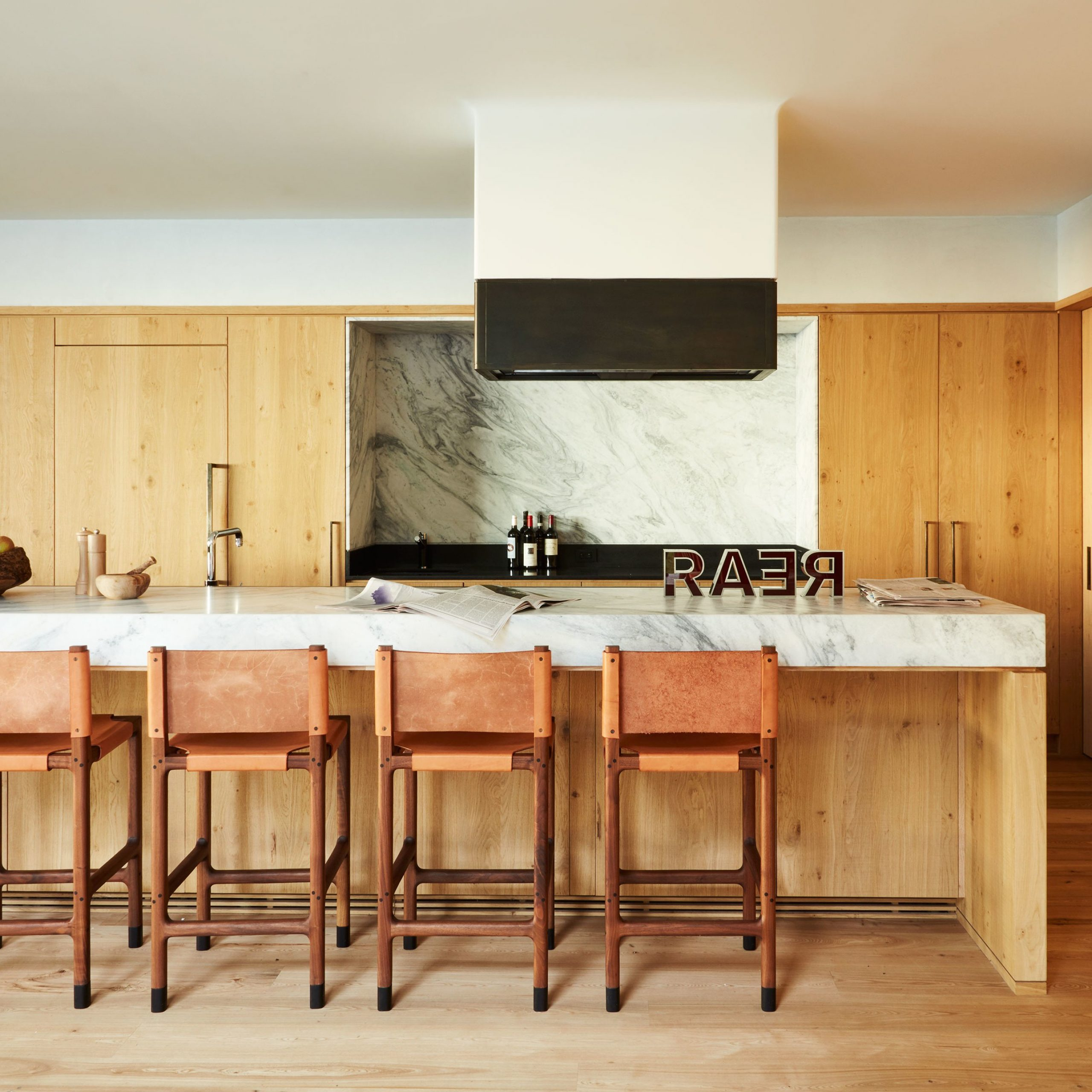 Glass Top Condo Dining Tables For Current 35 Sleek & Inspiring Contemporary Kitchen Design Ideas (View 18 of 25)