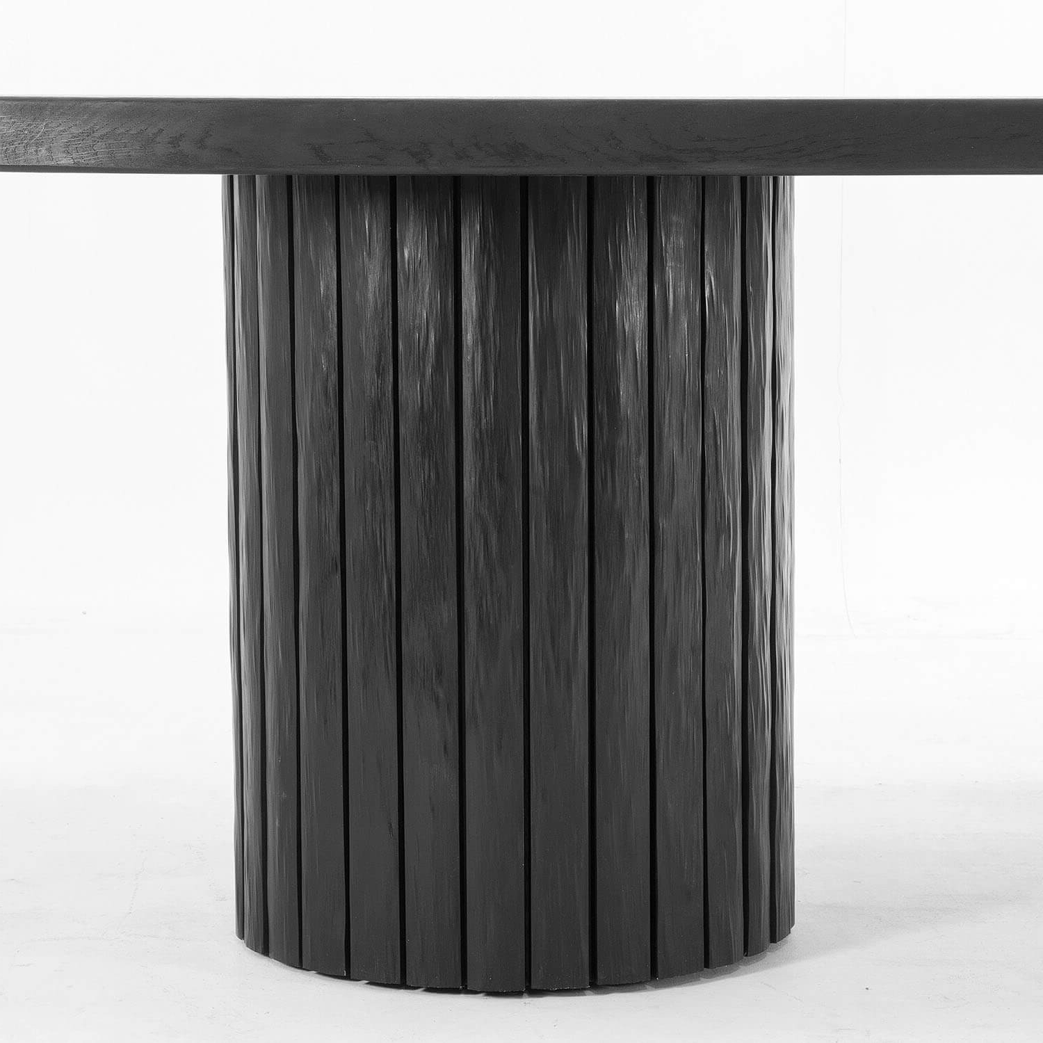 Most Current Neo Round Dining Tables Inside Kitayama Round Dining Table (View 19 of 25)
