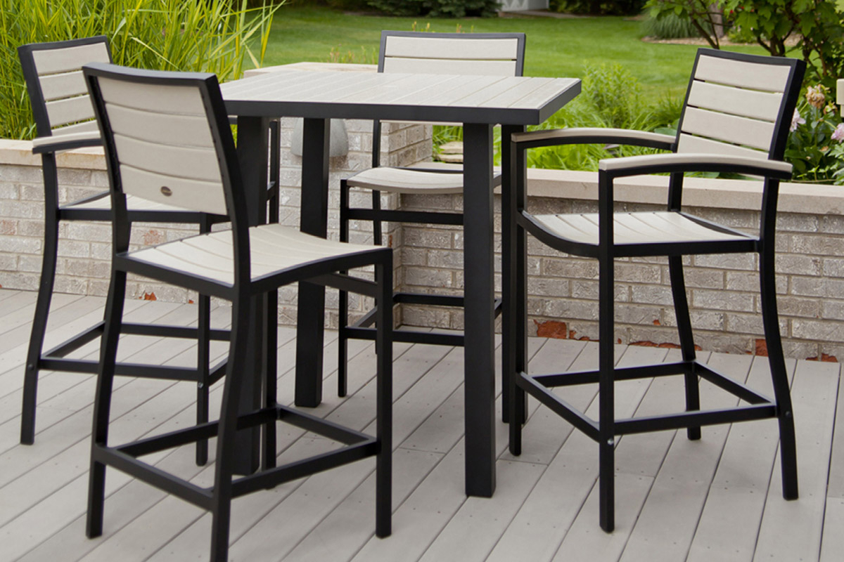 Patio Square Bar Dining Tables Pertaining To Popular Outdoor Bar Table Relaxing Furniture For Backyard (View 14 of 25)
